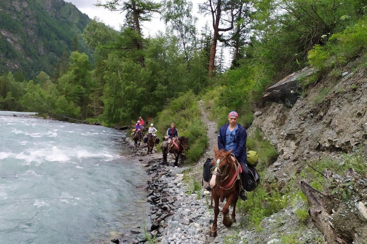 Конный поход на Алтай