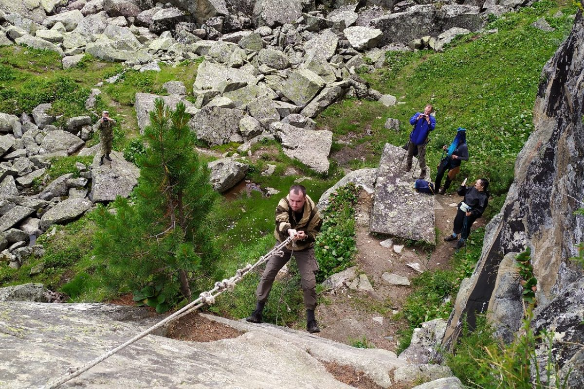 Лезем за лучшим видом на скалу